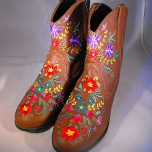 Floral embroidered ankle boots size 8 1/2